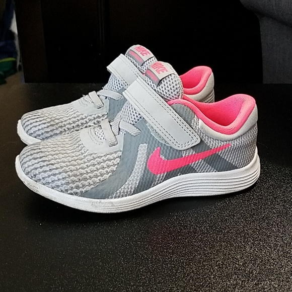 pretty nice bedcb d8566 Nike Revolution 4 Toddler Girls size 10. M 5c3fb90104e33ddd647fa61b
